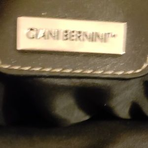Giani Bernini Bags - Giani Bernini Handbag